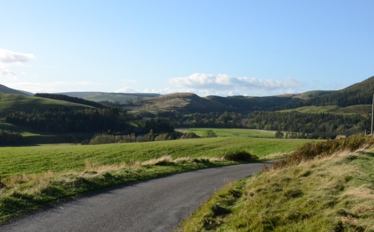 Looking up the Esk Valley from near Henwell