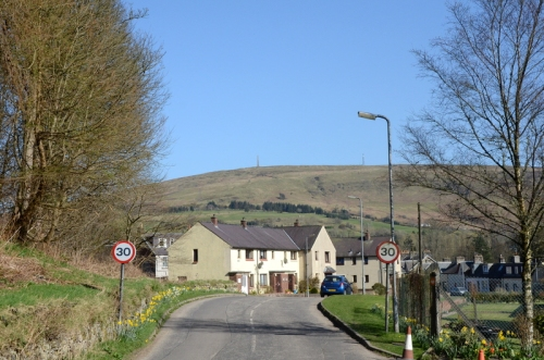 The western approach to the town from Pool Corner