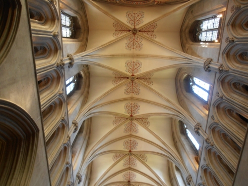 ceiling Wells cathedral