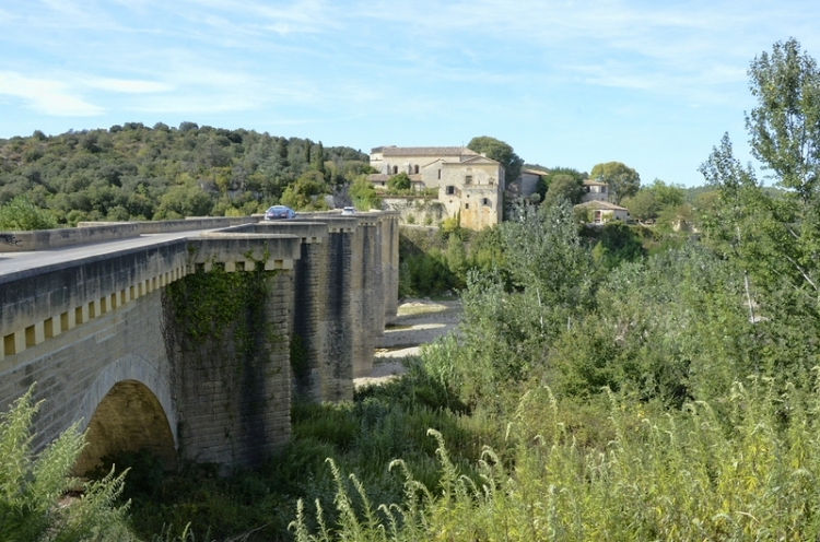 This was another old bridge, built inthe thirteenth century but standing up very well.  Saint-Nicolas-de-Campagnac Bridge