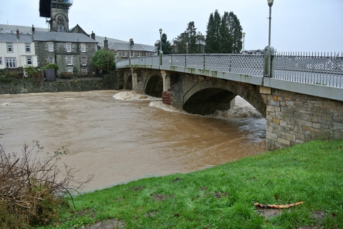 The esk at the town bridge