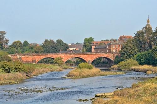 Annan town bridge