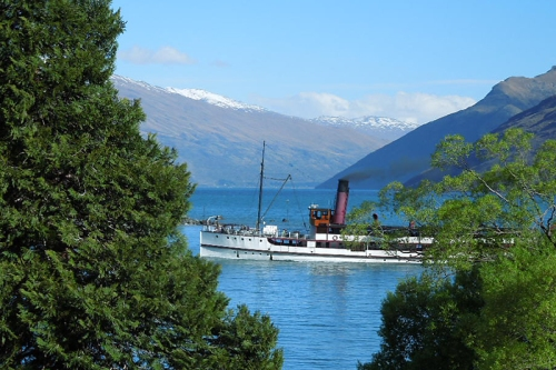 The famous paddlesteamer Earnslaw, returning from Walter Peak farm, viewed from my motel balcony