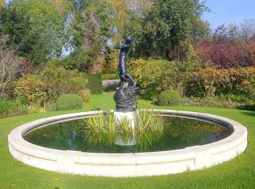 St John's Lodge garden, Regent's Park