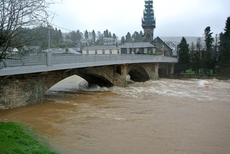 Langholm Bridge in flood