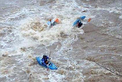 flood canoeists