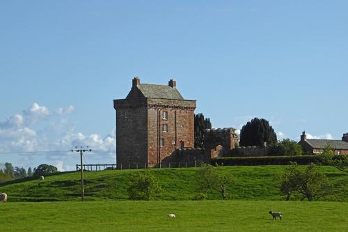 Kirkandrews tower