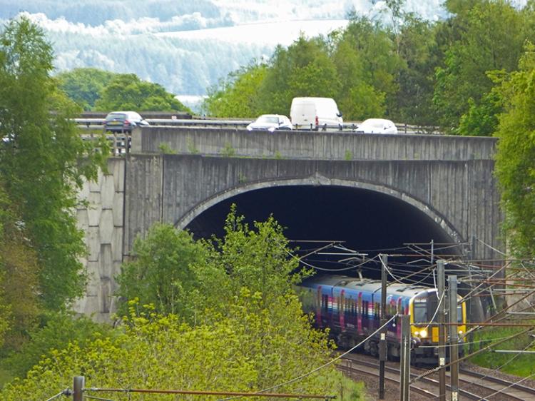 Edinburgh train at Beattock