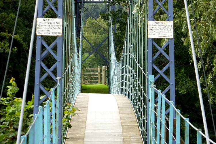 Kirkandrews bridge