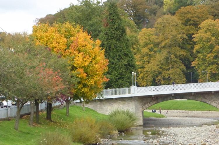 Langholm Bridge in autumn