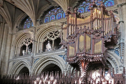 The organ casing is by Scott, modelled on that in Strasbourg Cathedral