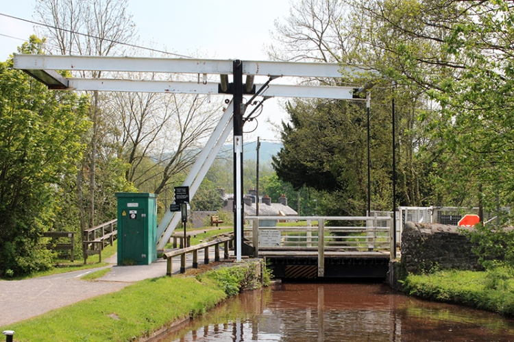 brecon-canal-at-talypont-on-usk