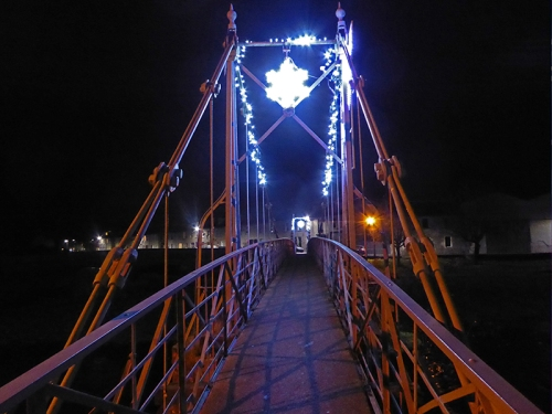 Suspension bridge lights