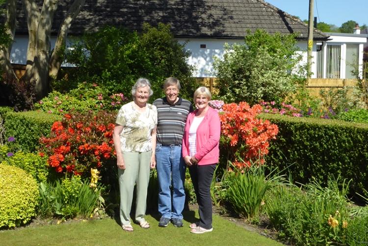 Liz, Glyn and Mrs Hendry