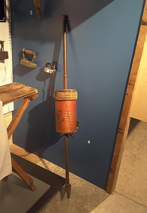 mechanical vacuum cleaner