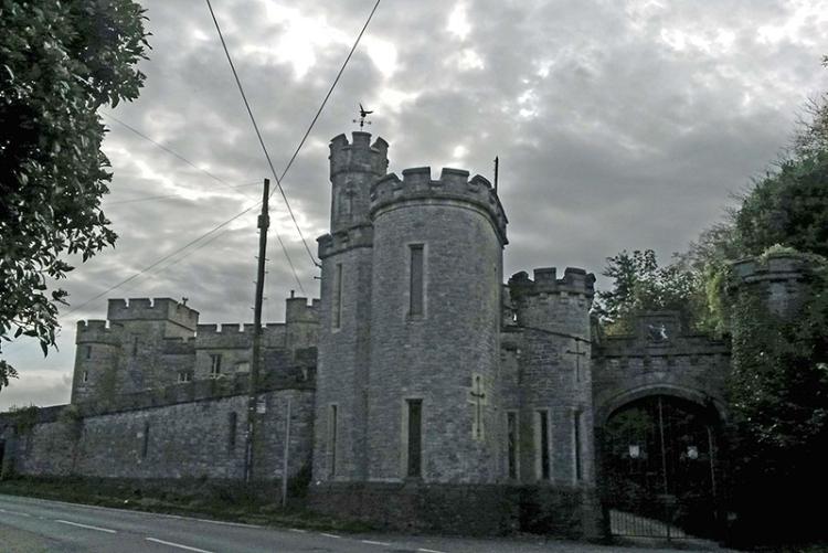 Banwell castle Gatehouse