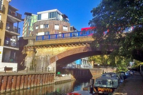 Limehouse Cut canal 27.10.17 008