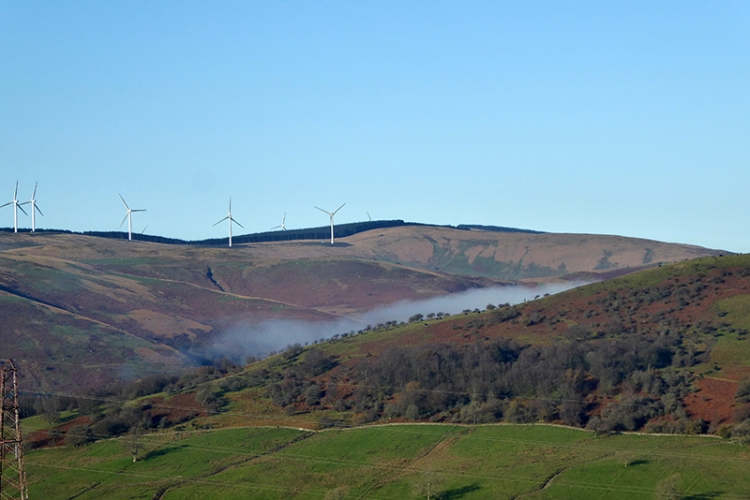 Hint of mist in Esk valley