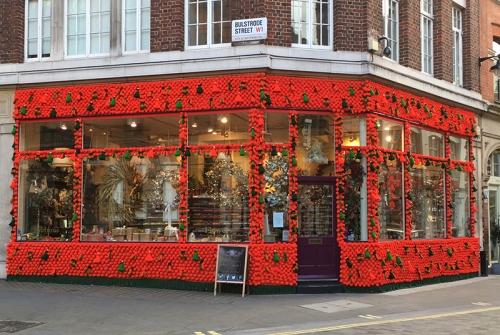 festive shop