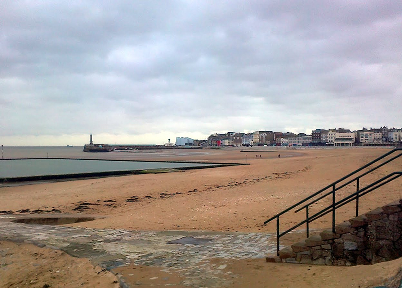 Margate sands with Turner Contemporary Art Gallery in the distance