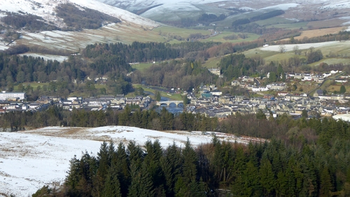 langholm with surrounding snow