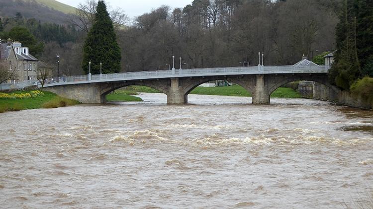 Langholm Bridge in april