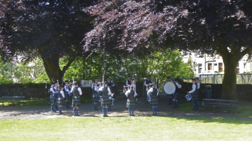 pipe band at fete