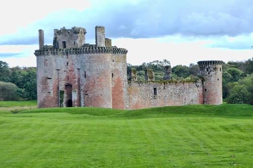 caerlaverock castle view