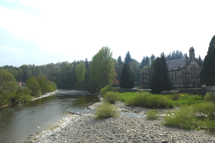 Down river esk from suspension bridge