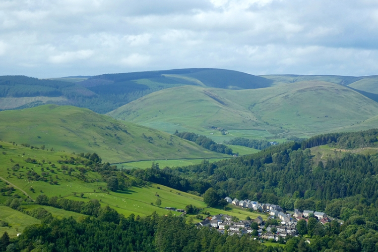 view up esk valley from warbla