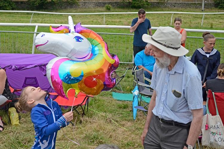 CR 2019 matilda and balloon and Francis