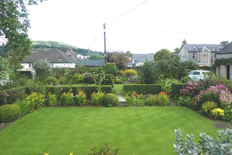garden from road