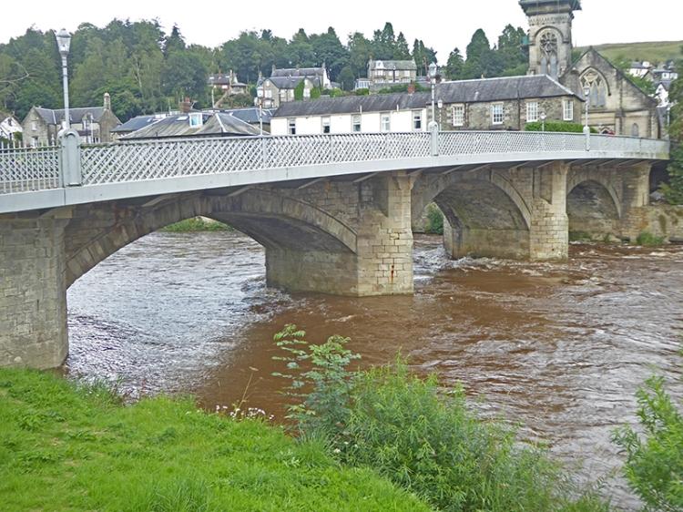 three arches flood on Esk
