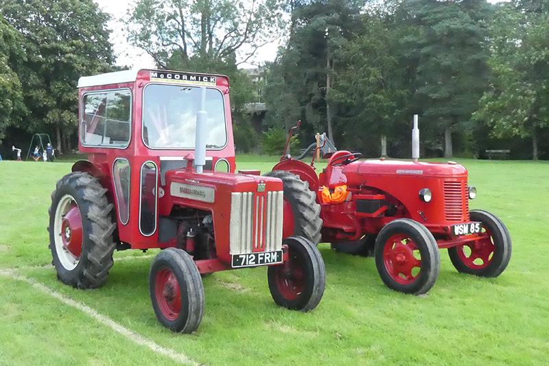 two tractors canonbie