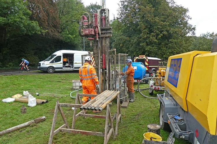 drilling for oil Landsend