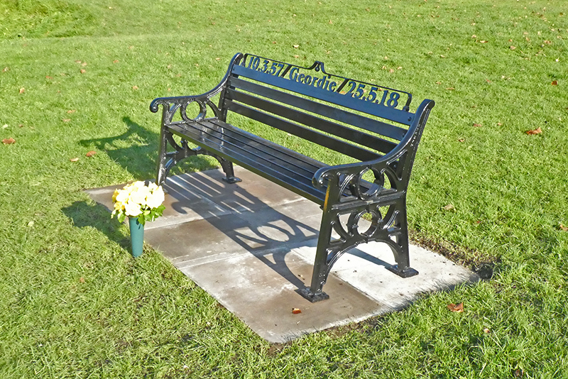 memorial bench Kilngreen