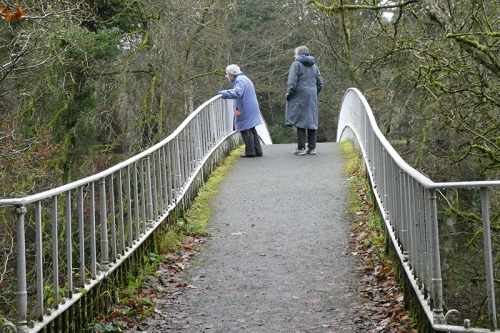 pat and Mrs t on duchess bridge