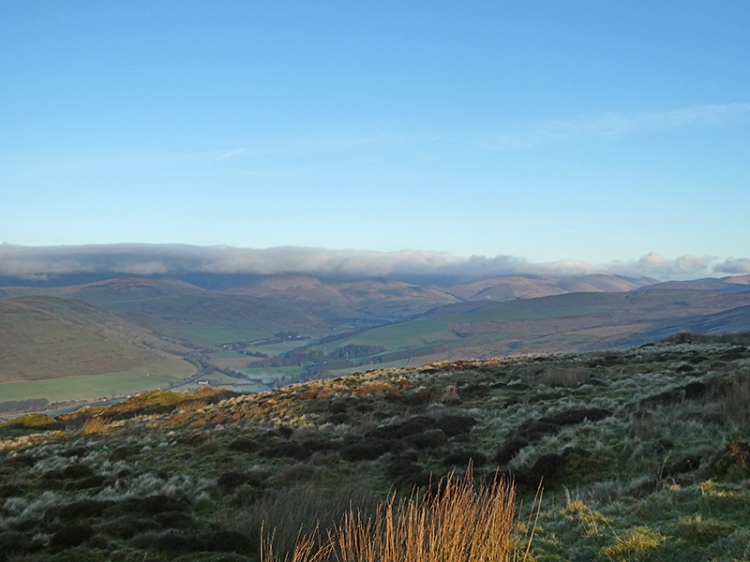 clouds on ewes hill tops