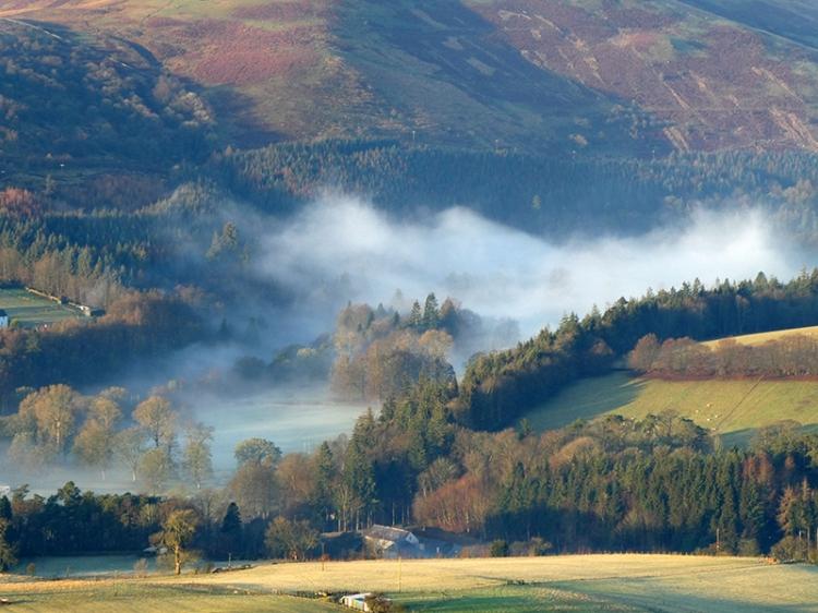 mist up esk valley