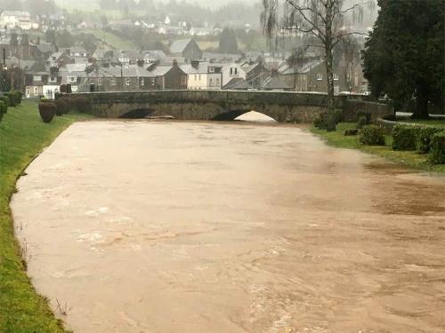 gavin's wauchope in flood