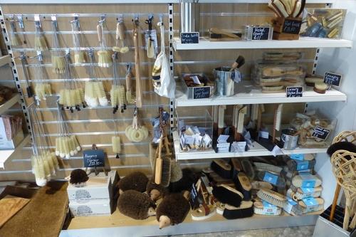 brush store