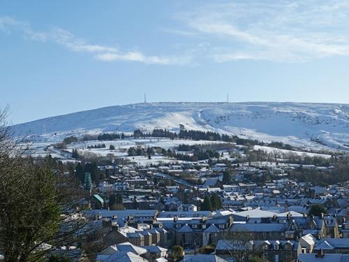 langholm and whita snow