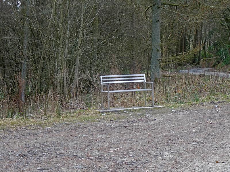 bench above potholm
