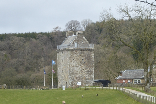 hollows tower shut
