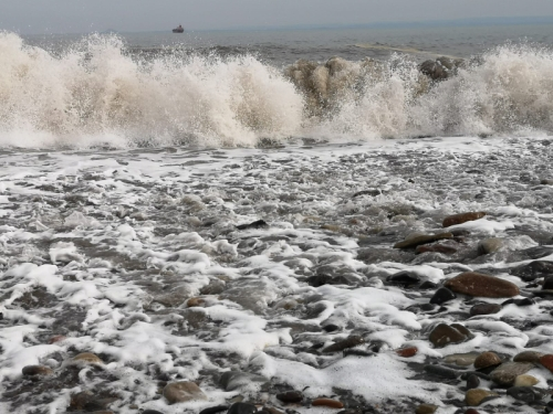 waves at wemyss