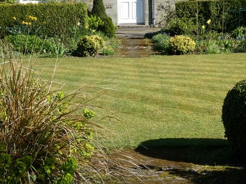 diagonal front lawn