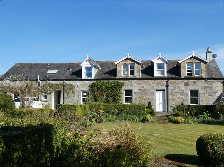 wauchope cottage blue sky